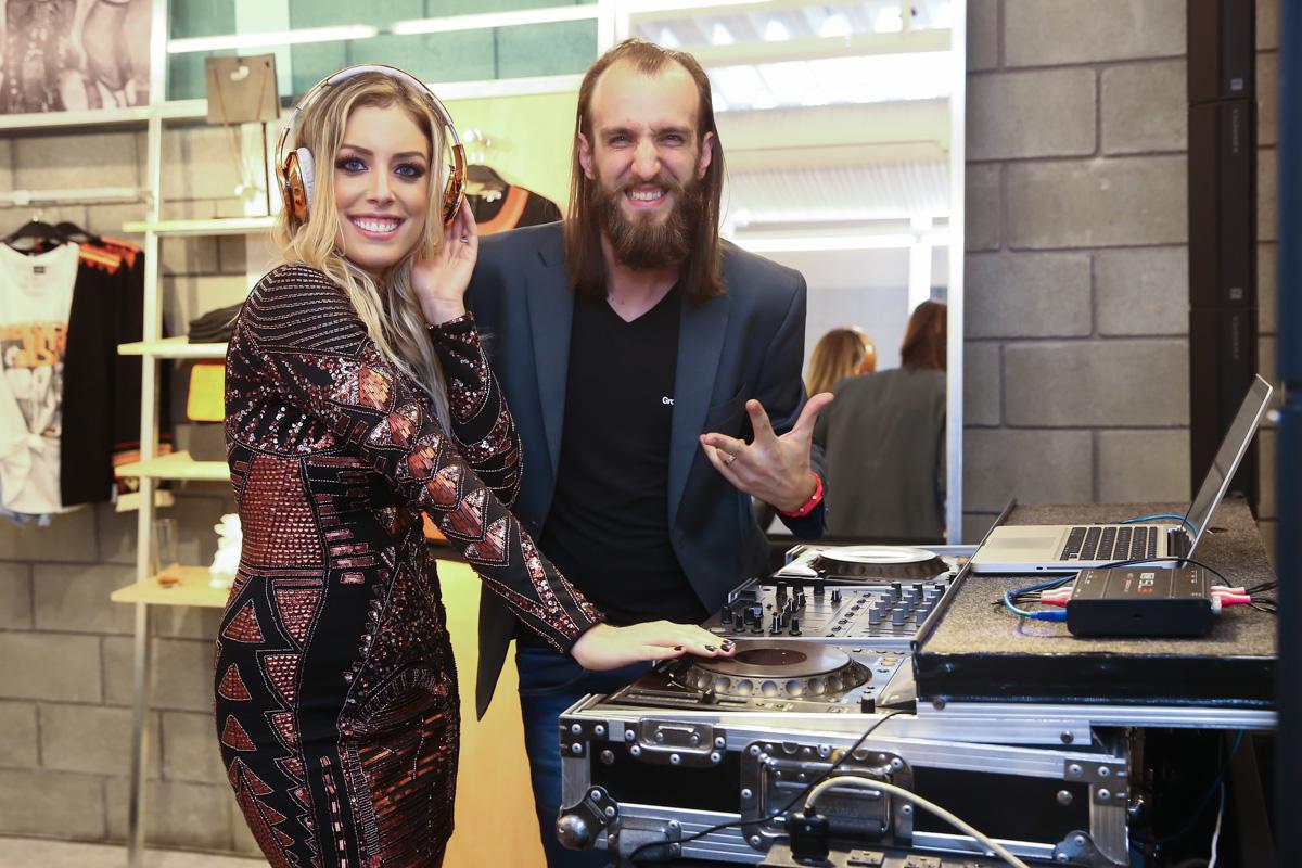 Fabiana Justus ataca de DJ-3131