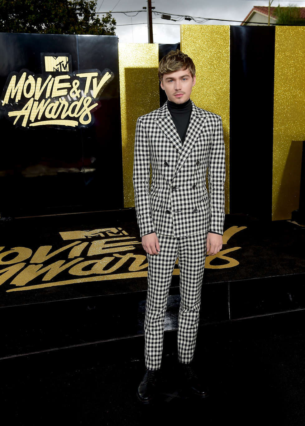 LOS ANGELES, CA - MAY 07: Actor Miles Heizer attends the 2017 MTV Movie And TV Awards at The Shrine Auditorium on May 7, 2017 in Los Angeles, California. (Photo by Matt Winkelmeyer/Getty Images)