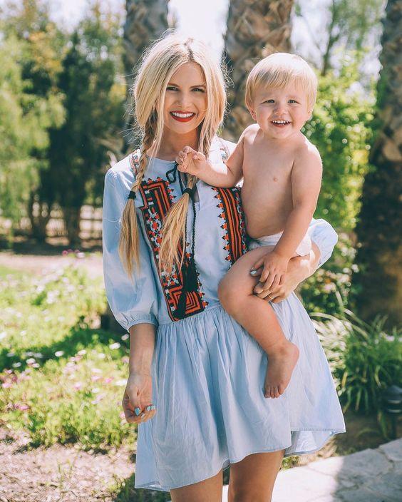 Além de looks lindos, filhos lindos e de ser linda, ela também faz uns penteadinhos no cabelo lindos!