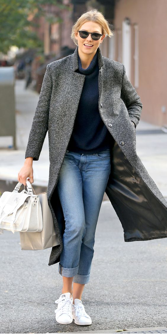 """*EXCLUSIVE* New York, NY - Karlie Kloss heads to a meeting wearing a dark gray woolen trench coat and a white leather """"KK"""" purse while out in New York City. AKM-GSI          November 9, 2015 To License These Photos, Please Contact : Steve Ginsburg (310) 505-8447 (323) 423-9397 steve@akmgsi.com sales@akmgsi.com or Maria Buda (917) 242-1505 mbuda@akmgsi.com ginsburgspalyinc@gmail.com"""